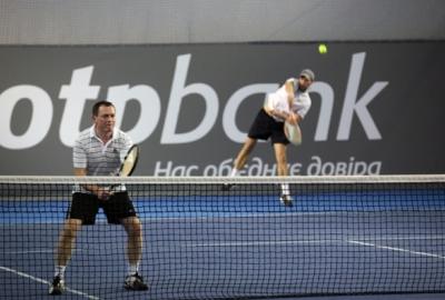 Турнир по теннису (фото)